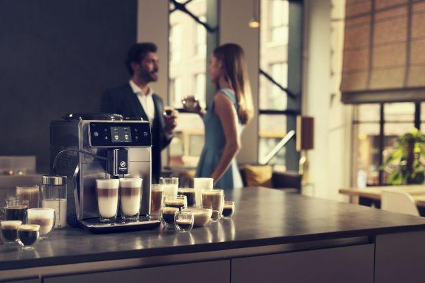 Jeśli jesteś miłośnikiem kawy, dobrze wiesz, że ten magiczny napój nie zawsze smakuje tak samo i w dodatku każdy ma swoje indywidualne preferencje. Wybierz ekspres z możliwością zmiany ustawień i funkcją personalizacji i ciesz się kawą taką