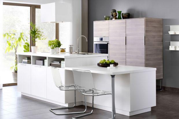 Jasne drewno w kuchni. 5 pomysłów