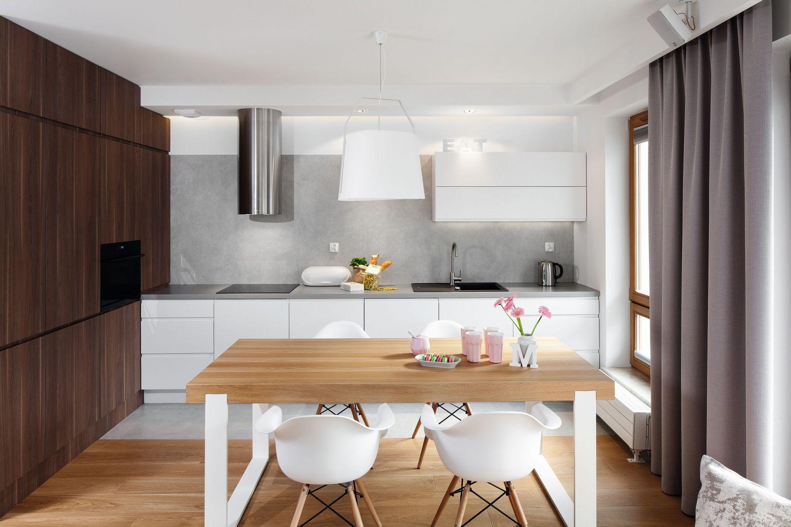 Pięć pomysłów na urządzenie dużej kuchni z jadalnią.