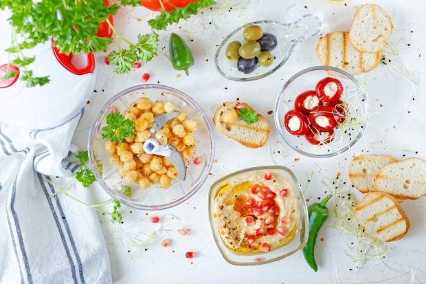Akcesoria do hummusu i wiosennych sałatek