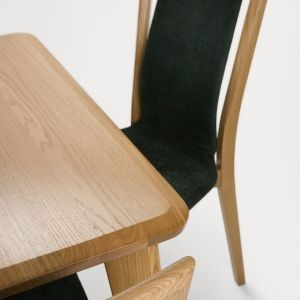 Krzesła i stół Vasco marki Paged Meble_fot. Paged Meble
