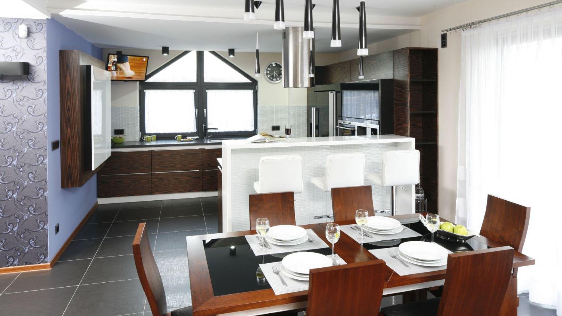 5 pomysłów na rodzinną kuchnię z jadalnią