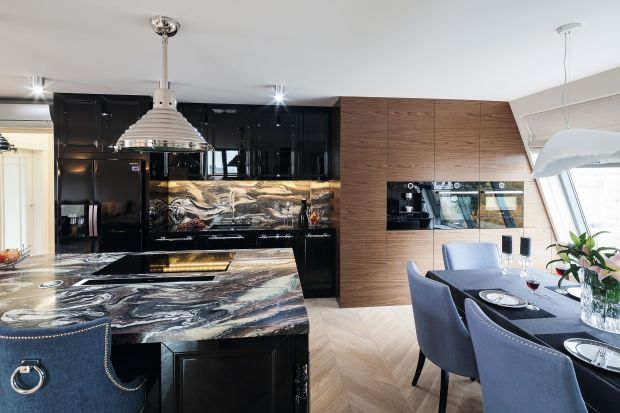 Drewno i kamień w kuchni. Dużo pięknych zdjęć