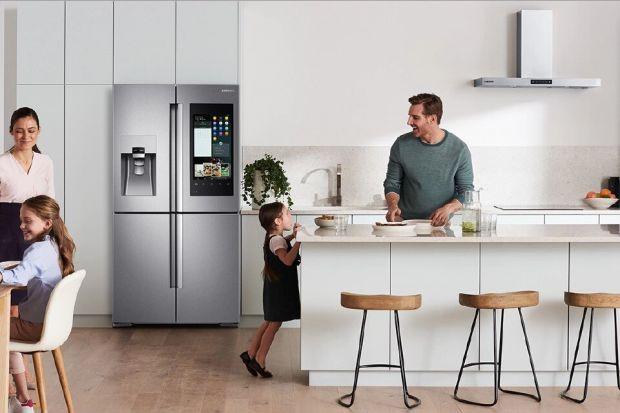 W trosce o rodzinny budżet i środowisko naturalne, wiele osób podejmuje kroki, by zużycie energii w domu było możliwie jak najmniejsze. Nowoczesne technologie pomagają skutecznie obniżyć rachunki za prąd, jednak nie zawsze nasze działania przyn