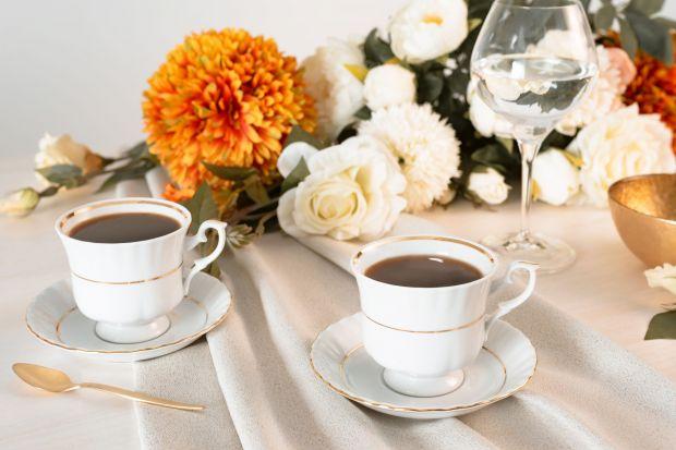 Porcelana od lat towarzyszy nam zarówno podczas ważnych uroczystości, jak i na co dzień. Z niektórymi kolekcjami wiąże się wiele pięknych wspomnień – rodzinne uroczystości, spotkania z przyjaciółmi, popołudniowa herbata z ukochanymi dziadk