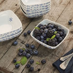 Lato w kolorze blue - piękna porcelana stołowa. Fot. Fyrklövern