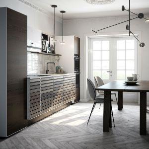 Modna kuchnia w bloku. 10 pomysłów na urządzenie. Fot. Massiv Raw Svane