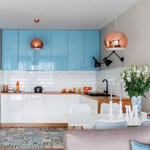 Płytki nad blatem w kuchni. Najpiękniejsze realizacje. Projekt Decoroom. Fot. Pion Poziom