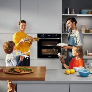Wyposażenie małej kuchni. Pomagamy wybrać sprzęty AGD. Fot. Samsung