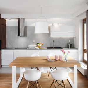 Kuchnia dla rodziny. 12 pięknych wnętrz. Projekt Przemysław Kuśmierek. Fot. Bartosz Jarosz