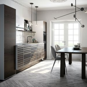 Drewno w nowoczesnej kuchni. Fot. Massiv Raw