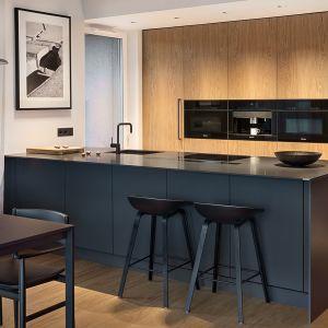Drewno w nowoczesnej kuchni. Fot. ZAJC