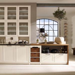10 pomysłów na jasne meble w klasycznej kuchni. Fot. Alno