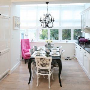 Biała kuchnia w klasycznym stylu. 20 pięknych zdjęć