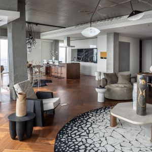 Styl nowojorski w jadalni – sprawdź, jak go osiągnąć! Projekt The Signature Apartment