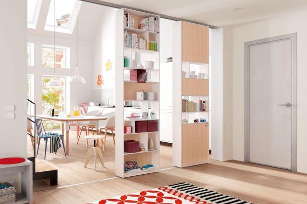 Duże szafy w małych kuchniach i jadalniach