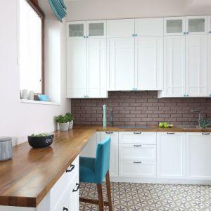 Piękne białe kuchnie. 15 pomysłów na urządzenie. Projekt Ola Kołodziej, Ula Szmyt