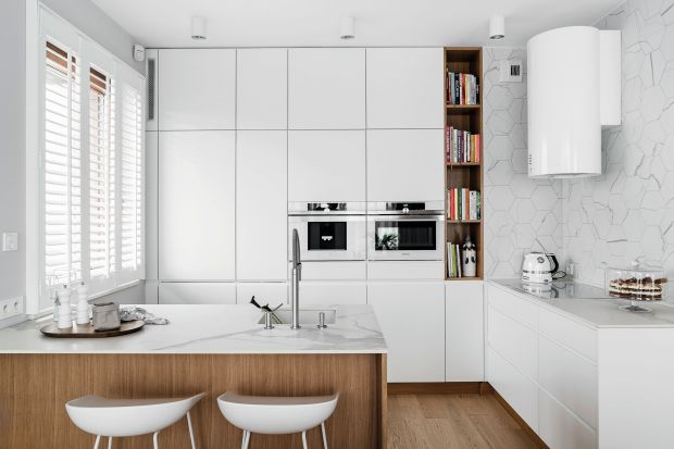 Piękne białe kuchnie. 15 pomysłów na urządzenie