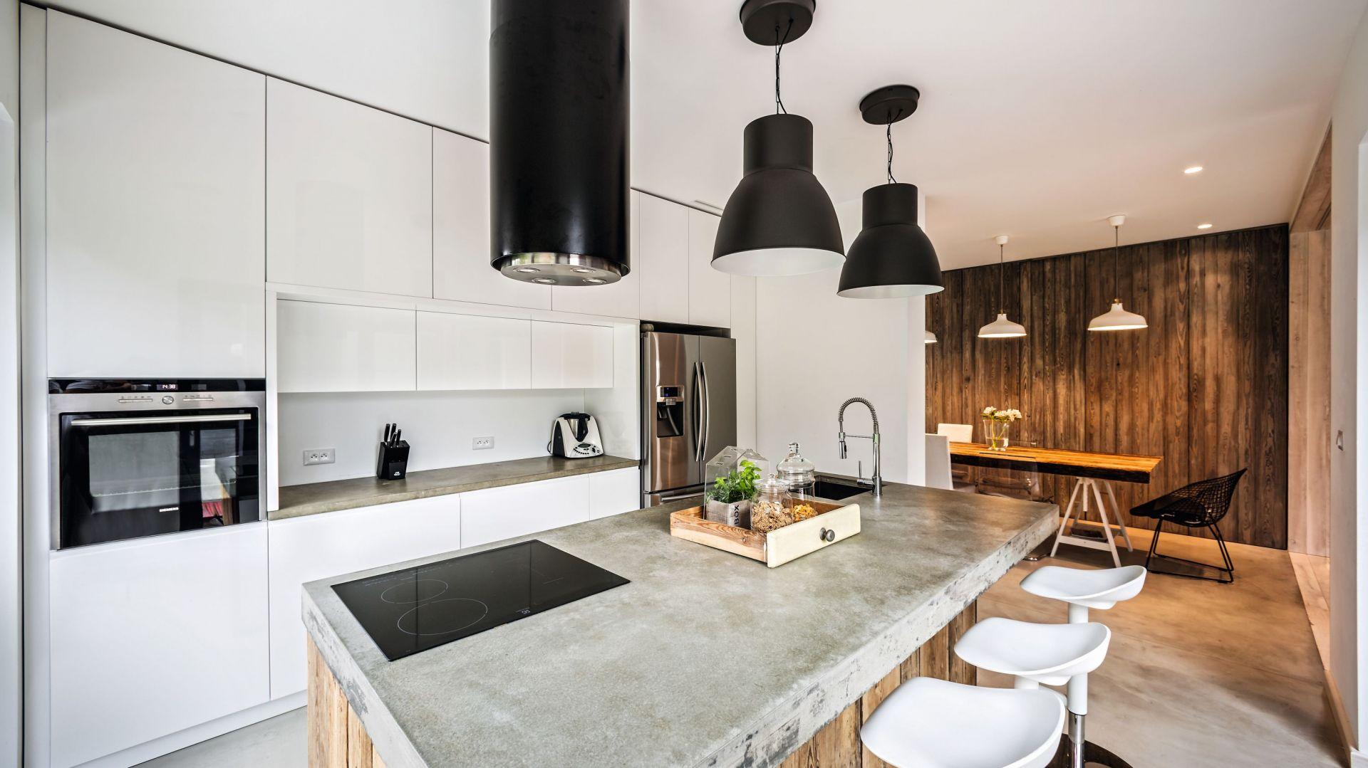 Piękne białe kuchnie. 15 pomysłów na urządzenie. Projekt Modelina