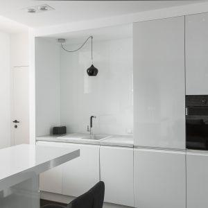 Piękne białe kuchnie. 15 pomysłów na urządzenie. Projekt MAFGROUP