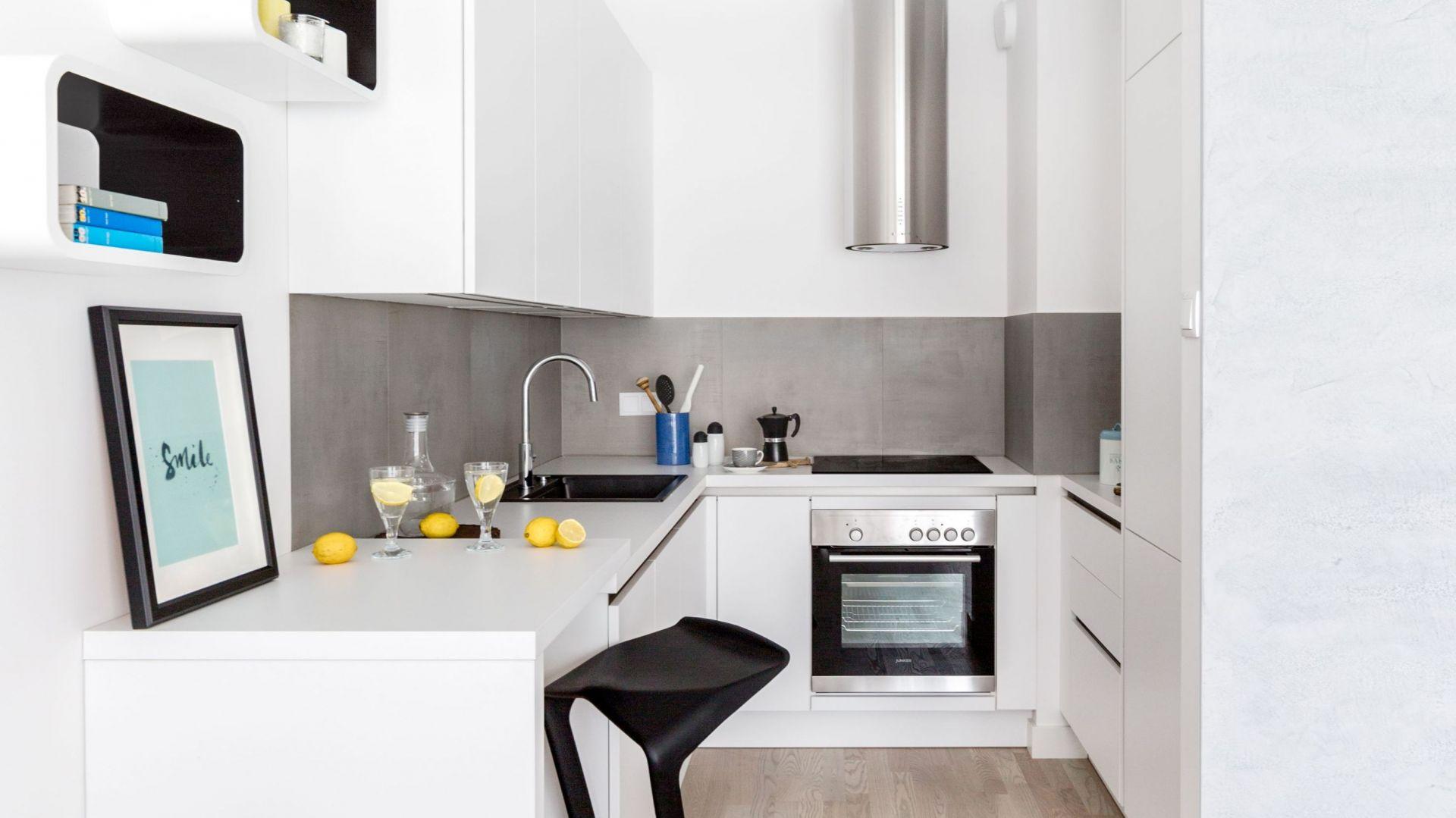Piękne białe kuchnie. 15 pomysłów na urządzenie. Projekt Decoroom