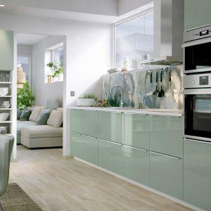 Kuchnia w pastelach. 3 piękne aranżacje. Fot. IKEA