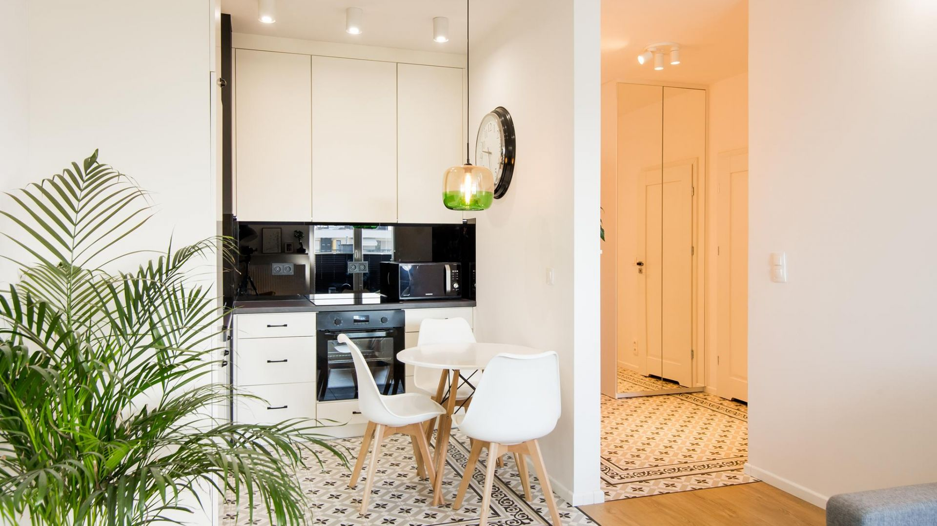Kuchnia w mieszkaniu. 12 pomysłów na urządzenie. Projekt THE SPACE Fot. Piotr Czaja