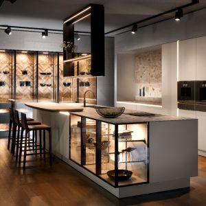 5 pomysłów na białe meble do dużej kuchni. Fot. SieMatic