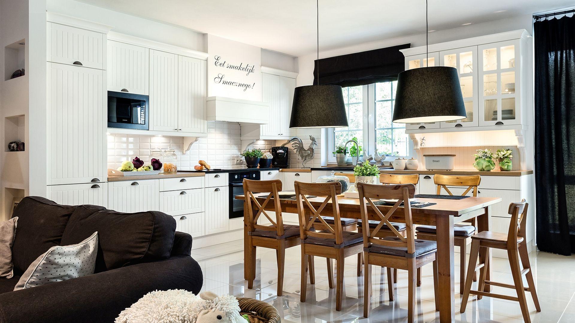 Klasyczna kuchnia. 10 pomysłów na aranżację w bieli. Fot. Vigo.