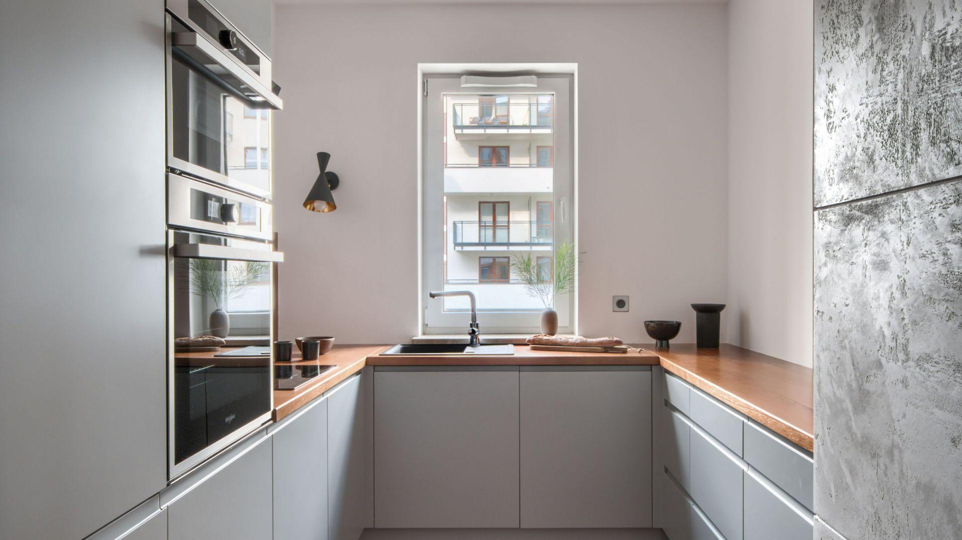Kuchnia w bloku. 12 pomysłów na nieduży metraż. Projekt Deer Design