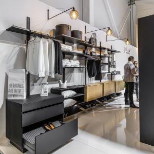 Organizacja garderoby. Fot. Peka