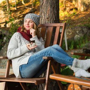 Malowanie drewna jesienią. Fot. Bondex
