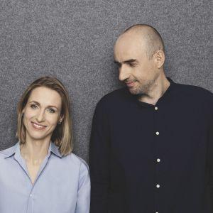 Monika i Adam Bronikowscy, architekci wnętrz i założyciele pracowni Hola Design.