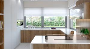 Dobrze dobrane okno stanie się ozdobą pomieszczenia, doświetli powierzchnię roboczą i rozjaśni wnętrze kuchni naturalnym światłem.