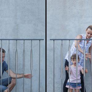 Inspiracją do zaprojektowania Instrumentu Miejskiego Jana Pfeifera było dostrzeżenie zachowań dzieci, które przechodząc pomostem, uderzają patykami w szczeble barierki, tworząc przy tym przypadkową muzykę.
