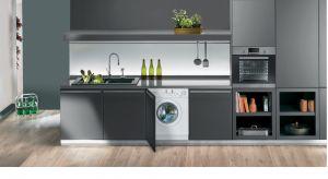 Nowa pralka do zabudowy, który jest już dostępna na polskim rynku, wyróżnia się dużym załadunkiem - 9 kg.
