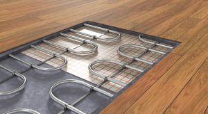 Do kuchni i łazienki czy do całego domu? O czym pamiętać decydując się na ogrzewanie podłogowe? Przedstawiamy praktyczny przewodnik, który pomoże wybrać podłogę laminowaną oraz podkład, odpowiednie dla takiego systemu grzewczego.
