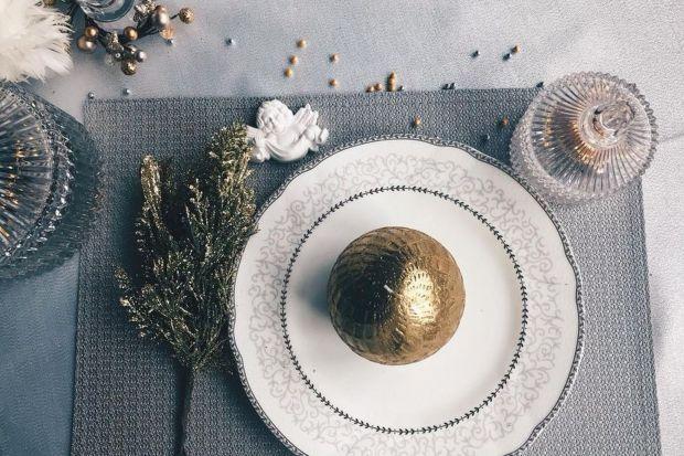 Wigilijny stół: 5 pomysłów projektantki na piękne dekoracje