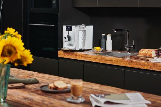 W ciągu ostatnich lat zdecydowanie widać rozwój branży kawowej w Polsce. Do niedawna wielu uważało go za kraj, w którym kultura picia kawy nie istniała. Dziś ciężko wyobrazić sobie poranek bez filiżanki dobrze przyrządzonej kawy do śniadani