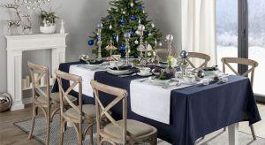 Bożonarodzeniowe szaleństwo aranżacyjne zaczęło się na dobre. Do Świąt pozostało jeszcze trochę czasu, jednak już teraz warto się rozejrzeć za dekoracjami, które wprowadzą do wnętrza zimowo-świąteczny klimat. Jakie ozdoby wybrać i jak e