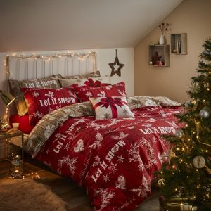 Zimowa sypialnia może przybrać również świąteczne oblicze. Na zdjęciu: komplet pościeli Let It Snow. Fot. Dekoria