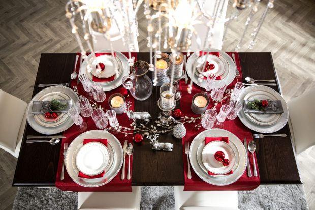 Eklektyczny styl glamour stwarza wiele możliwości aranżacyjnych, nie tylko w urządzaniu wnętrza, ale również podczas przygotowań wigilijnego spotkania z najbliższymi. W trakcie świąt warto zadbać o elegancką oprawę stołu, aby wspólne posi�
