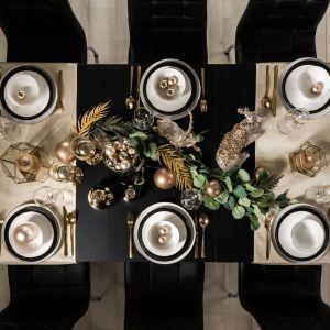 Eklektyczny styl glamour stwarza wiele możliwości aranżacyjnych, nie tylko w urządzaniu wnętrza, ale również podczas przygotowań wigilijnego spotkania z najbliższymi. Fot. Agata