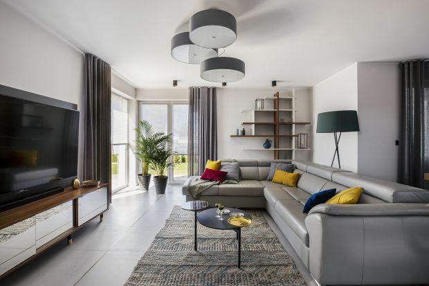 Przytulne wnętrza nowoczesnego domu dla rodziny