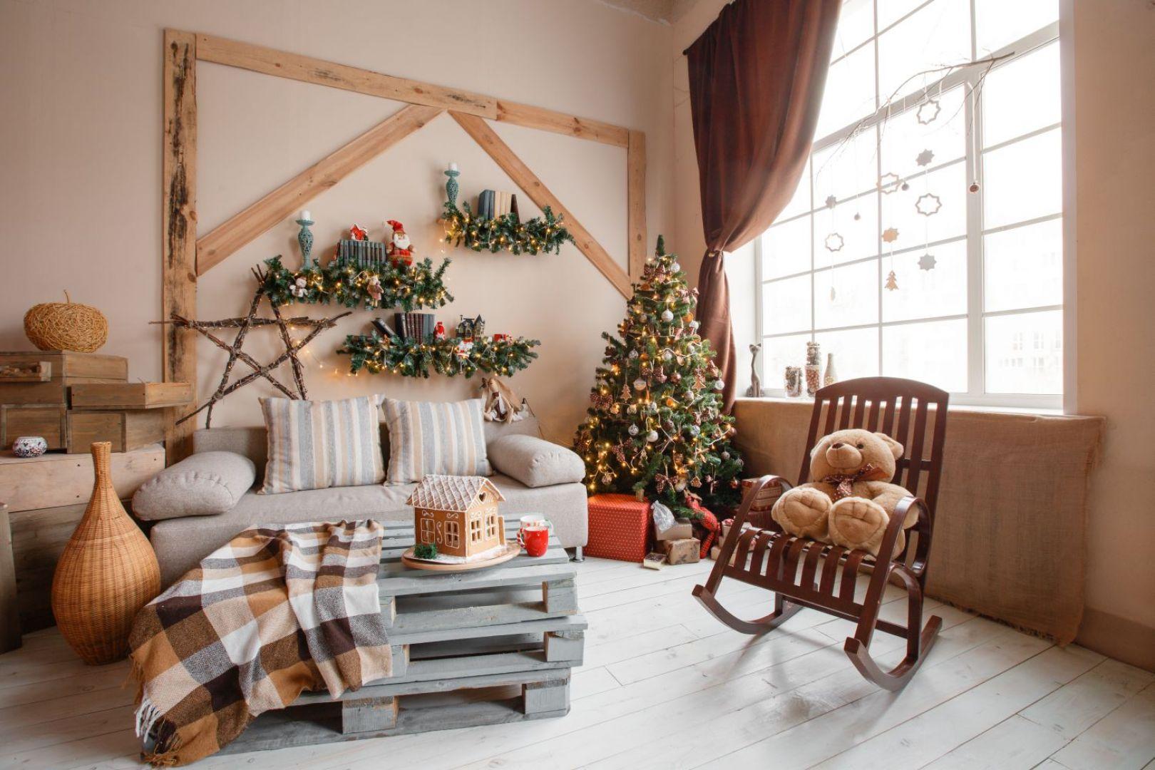 Świąteczna oprawa okien. Fot. OknoPlus