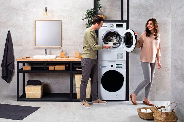 Pralka i suszarka to duet idealny. Nowoczesne modele nie tylko zadbają o jakość naszego prania, ale też pomogą zaoszczędzić energię, wodę czy detergenty. To przekłada się zarówno na nasze portfele, jak i dobro środowiska.