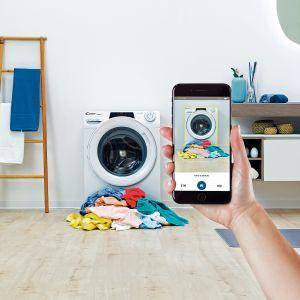 Pralki i suszarki RapidO. wyróżnia elegancki, nowoczesny design, ale także bardzo wygodna obsługa. Wyższy i większy otwór drzwiowy ułatwia załadunek i wyjmowanie odzieży z bębna, czy inteligentna funkcja Snap & Wash. Dostępne w ofercie firmy Candy. Fot. Candy