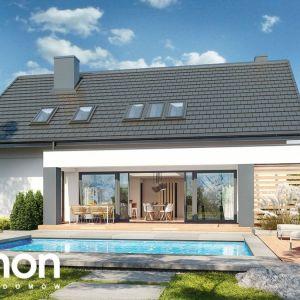 """9. """"Dom pod szczęślinem"""" charakteryzuje się nowoczesną stylizacją oraz komfortowym układem funkcjonalnym. Prosta bryła domu została przekryta dachem dwuspadowym, co korzystnie wpływa na tempo i koszty budowy. Fot. Archon +"""