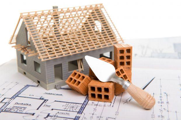 Ekologiczny dom: jak go zbudować? Wchodzą nowe przepisy: o tym musisz wiedzieć!