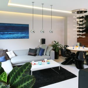 2. Kolor w salonie: piękne wnętrza. Proj. Chantal Springer. Fot. Bartosz Jarosz